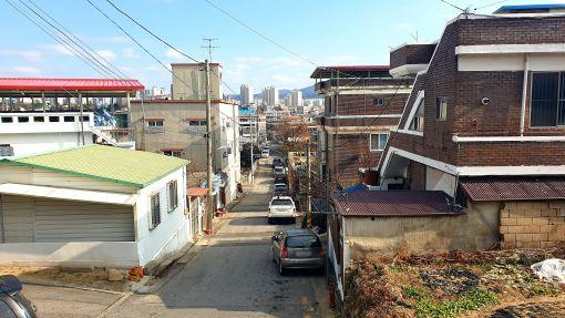 금암동의 주택가 골목길 /이휘빈 기자